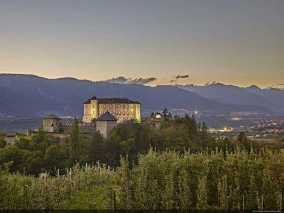 Valle di Non, Vigo di Ton, Castel Thun, panorama al tramonto