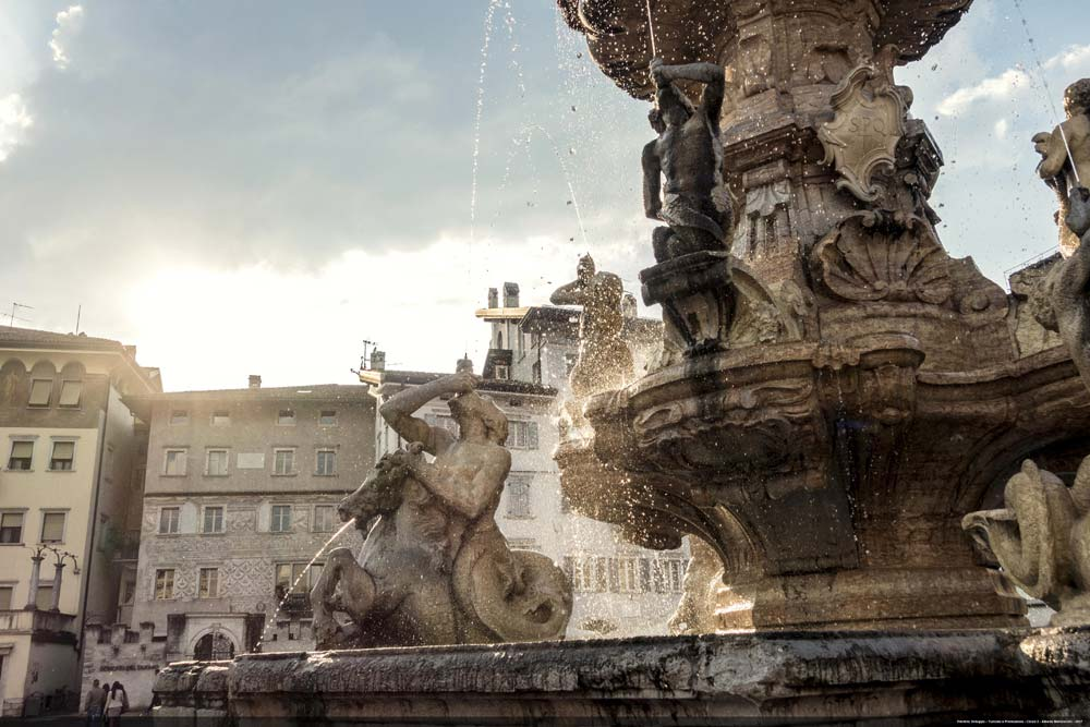 Trento piazza Duomo - Fontana del Nettuno